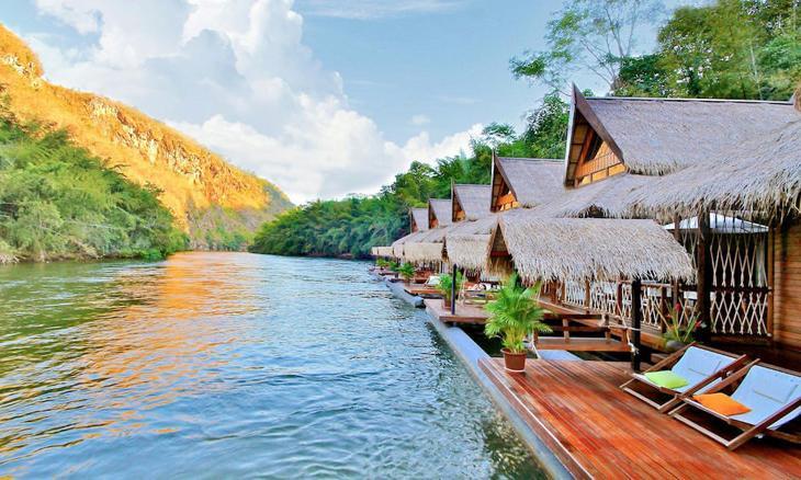 Отдых на воде, уют и комфорт: лучшие плавучие отели мира