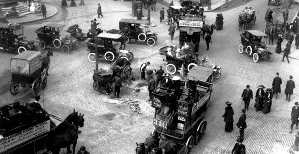 Правостороннее и левостороннее движение: история разделения и почему у одних так, а у других иначе
