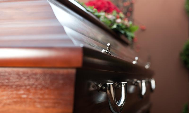 Невеста решила сэкономить и совместила собственную свадьбу и похороны тети