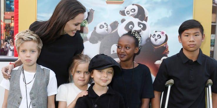 """Мама, ни во что не вписывающаяся: как многодетная Анджелина Джоли бросает вызов стандартам """"родительства"""""""