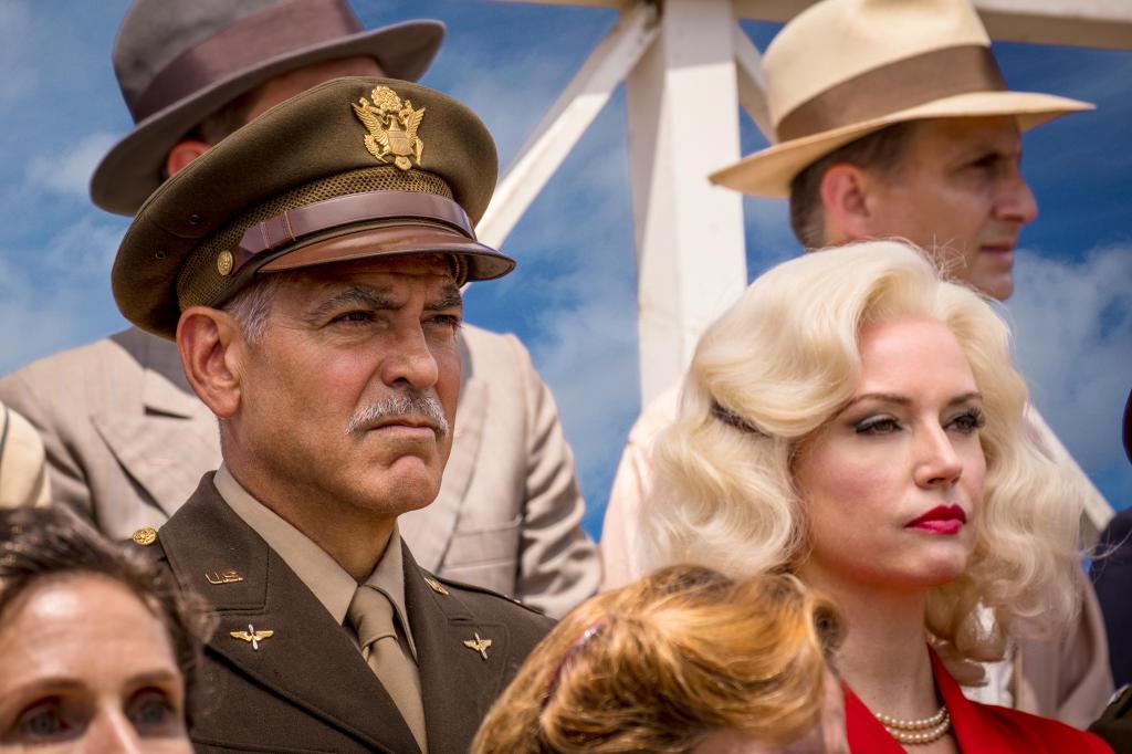"""Состоялась мировая премьера нового сериала Джорджа Клуни """"Уловка-22"""": актер в образе военного"""
