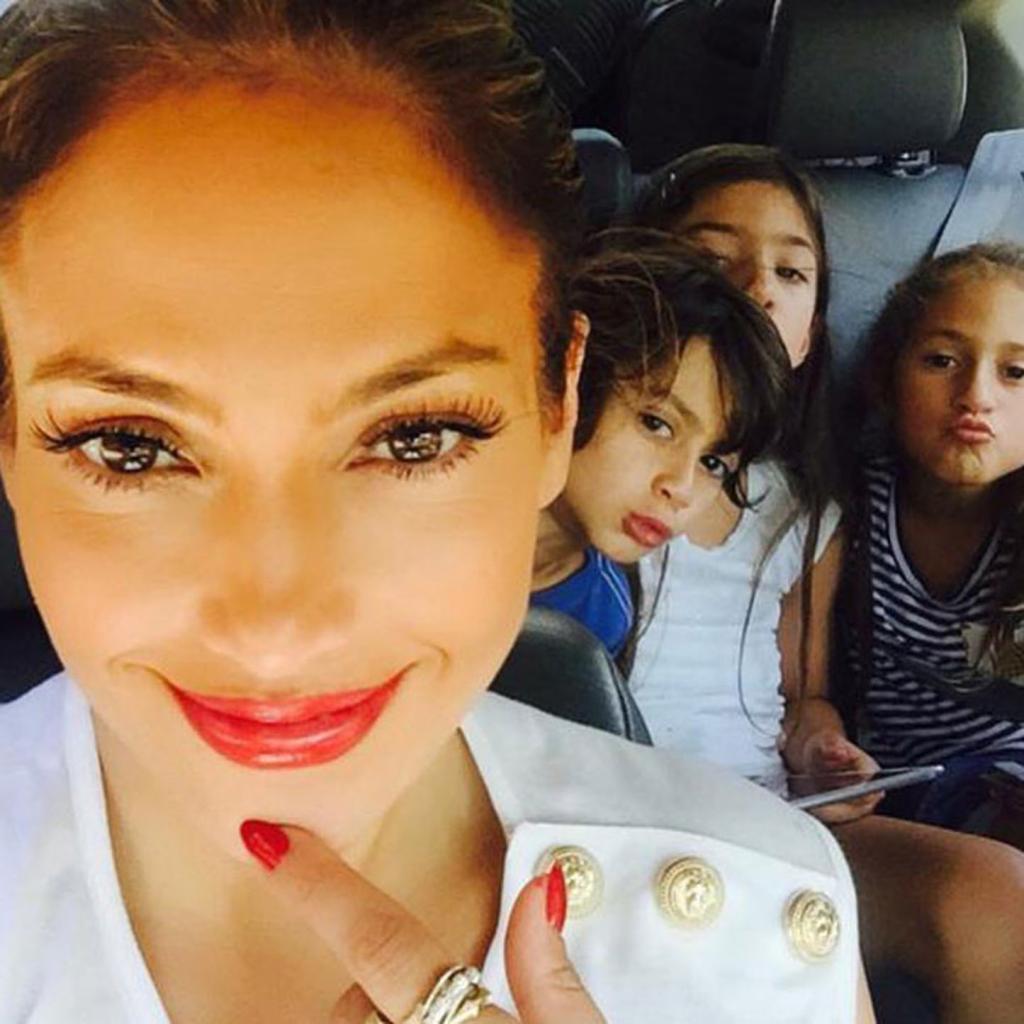 Звездная мама: вещи, которыми дети Дженифер Лопес не могут заниматься
