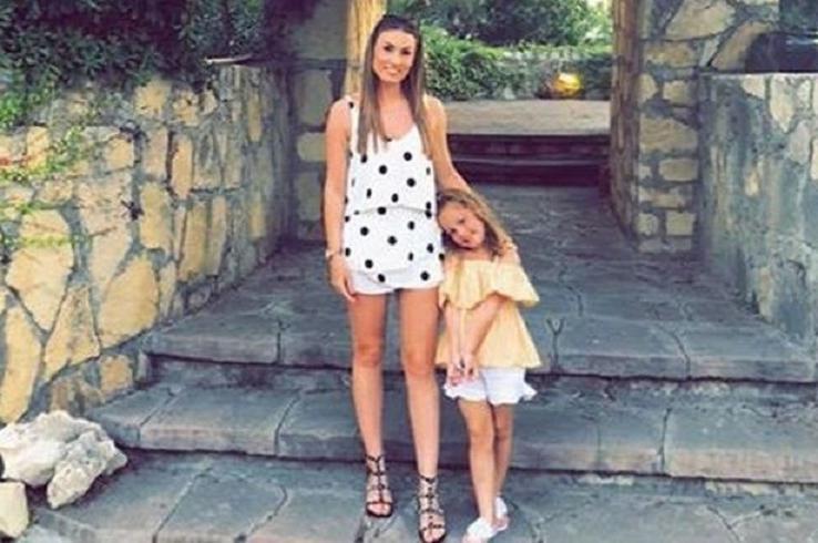 Женщина возмущена письмом из школы, в котором написано, что у ее здоровой 5-летней дочери есть избыточный вес