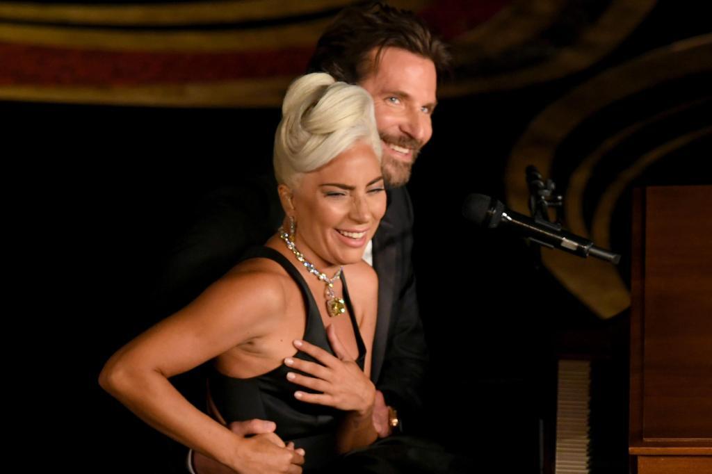 Коллеги или друзья: какие отношения ждут Леди Гагу и Брэдли Купера?