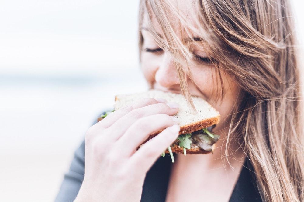 Что диета говорит о человеке, его здоровье и психике: ученые изучили последователей разных диет