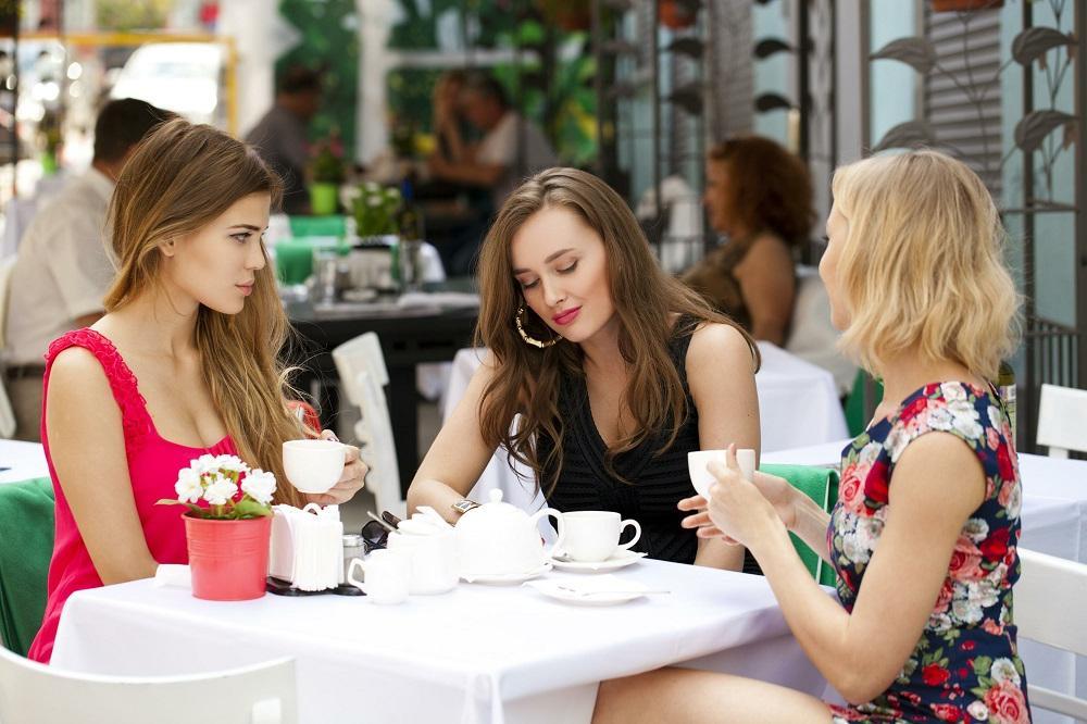 Картинки подруг в кафе