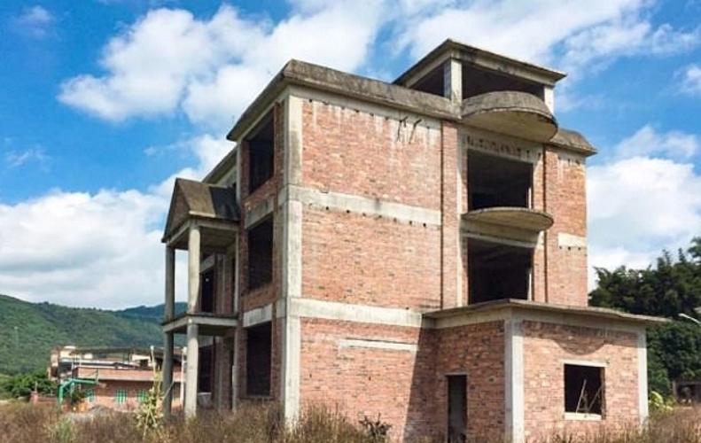 Семь лучших подруг покупают особняк в Китае и ремонтируют его за 460 тысяч евро. Чем обусловлен их поступок?