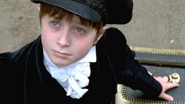 10-летний Дэниел Рэдклифф перевоплотился в Гарри Поттера в 2000 году. Но эта роль не была дебютом