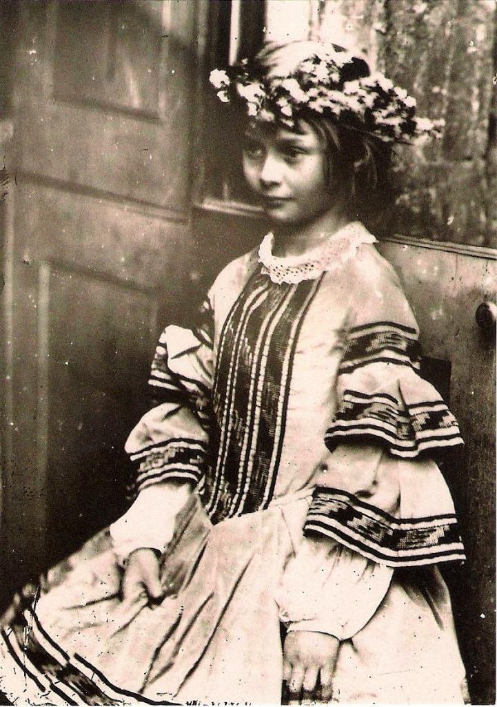 Муза Льюиса Кэрролла, или Кто стал прообразом сказочной Алисы в стране чудес