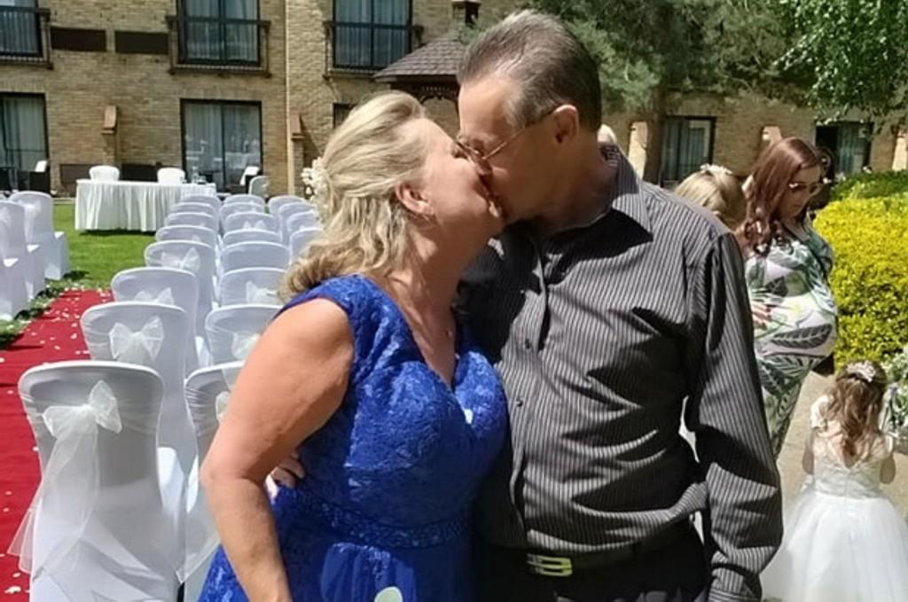 Влюбились за школьной партой, а поженились через 45 лет: романтичная история Эндрю и Карен, которые чуть не проворонили свое счастье