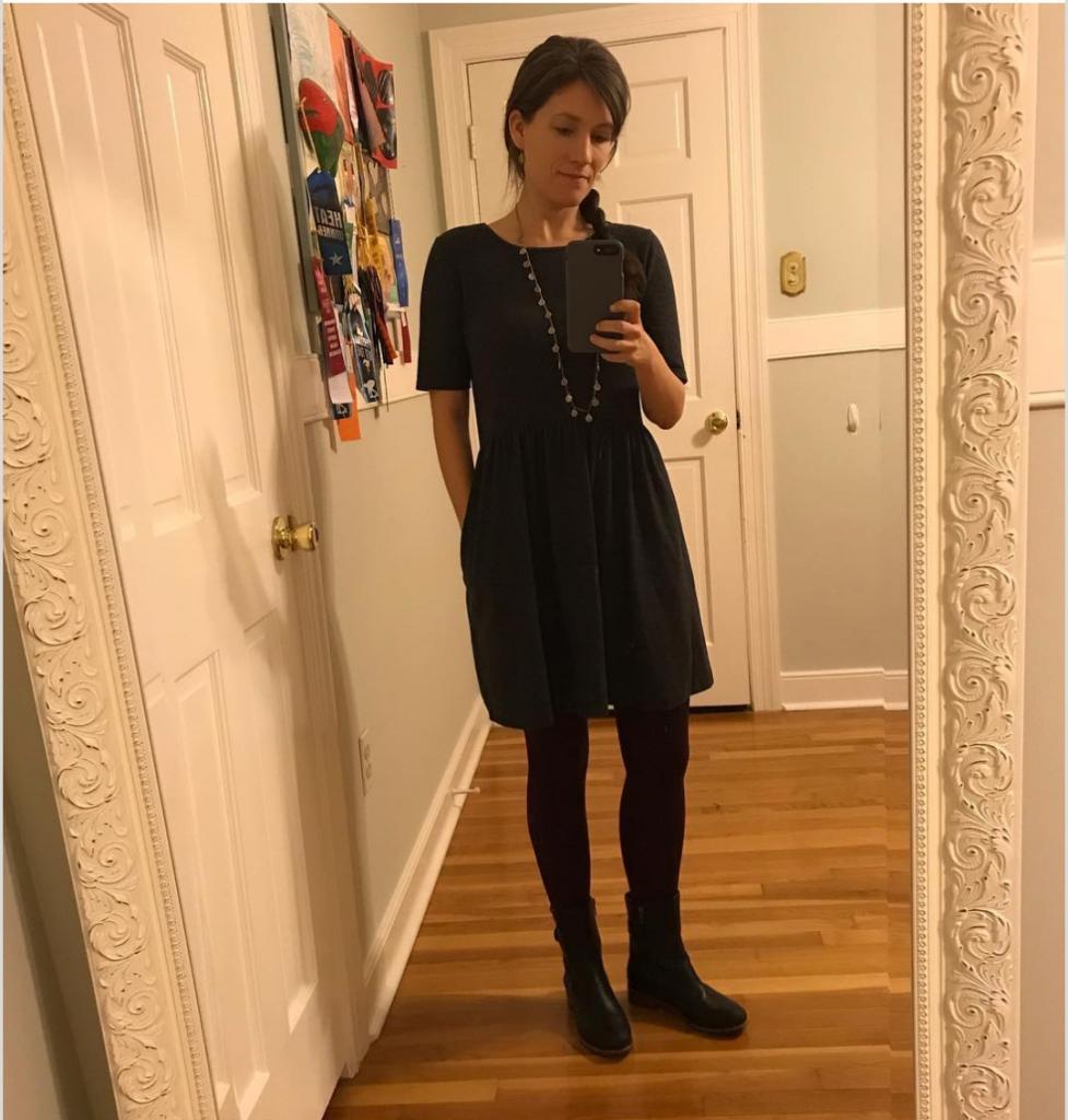 Нечего надеть? Учительница доказала, что такого не бывает и решила провести эксперимент: 100 дней она носила одно и то же платье