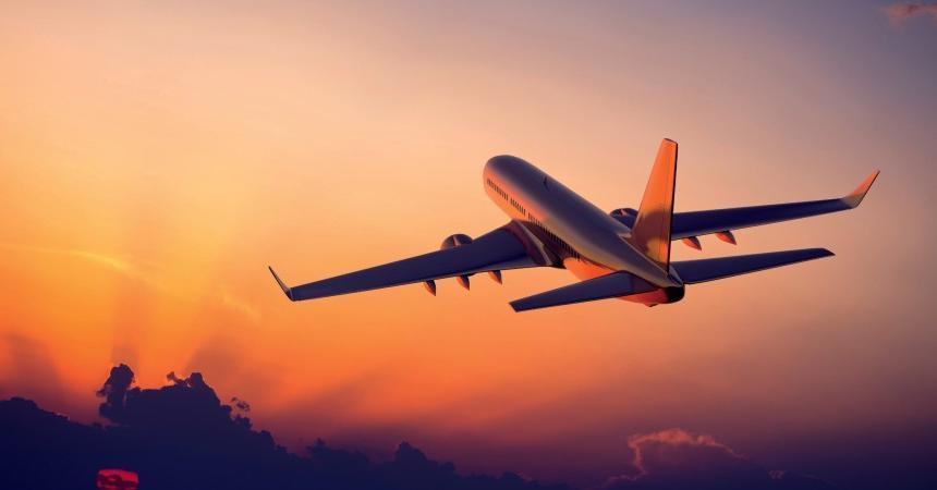 Девушка поделилась историей, как выжила во время 23-часового перелета без ноутбука и телефона