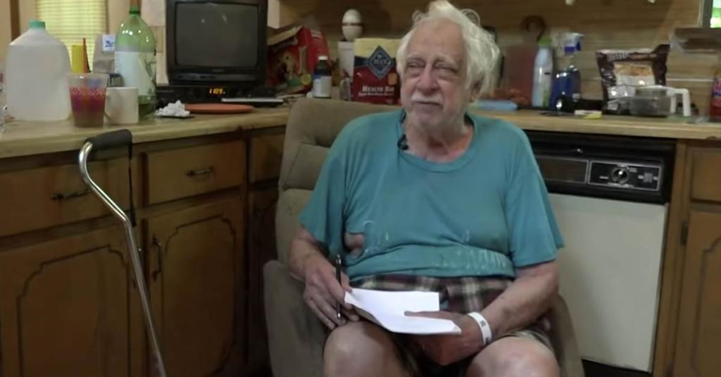 Пожилой ветеран жил один. В нищете. Случайная встреча с водителем такси изменила все