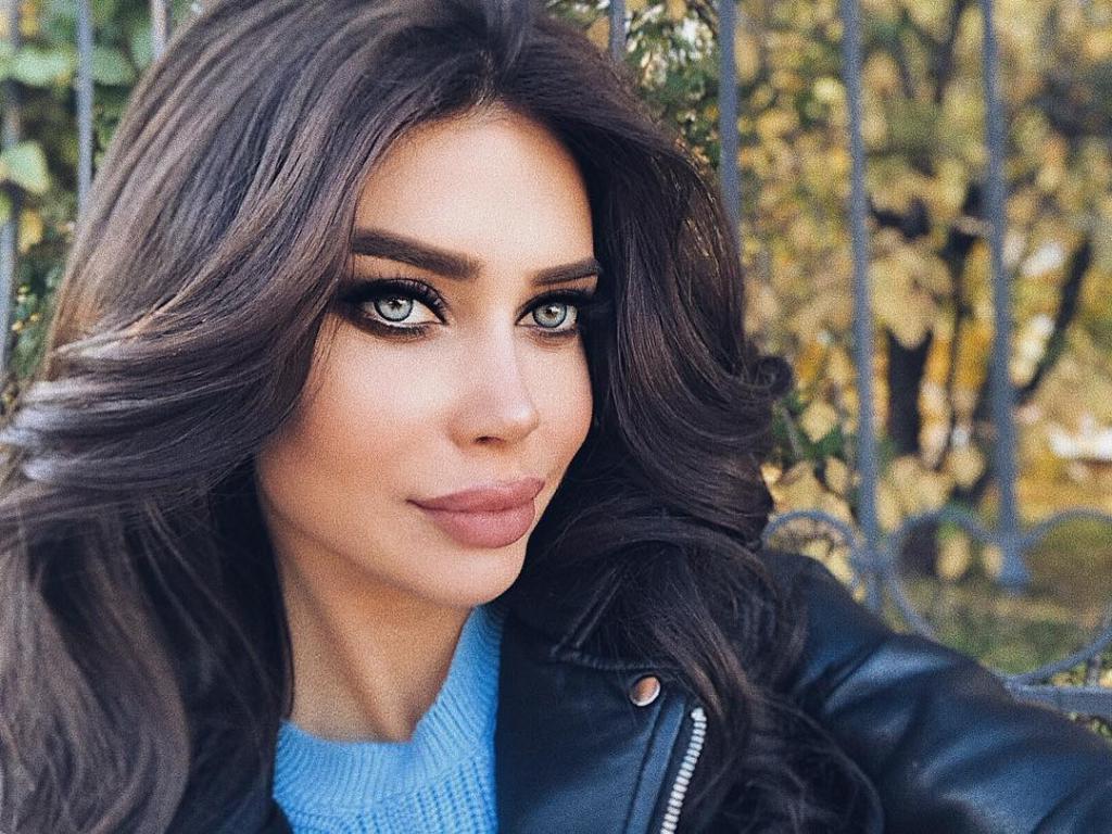 Натуральная красота больше не в моде: как выглядит грузинка, которой восхищаются в соцсетях
