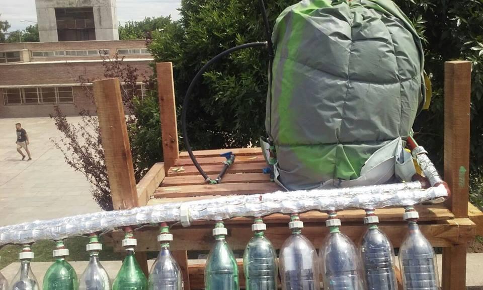 Молодые люди придумали, как мусор может помочь семьям, живущим без горячей воды