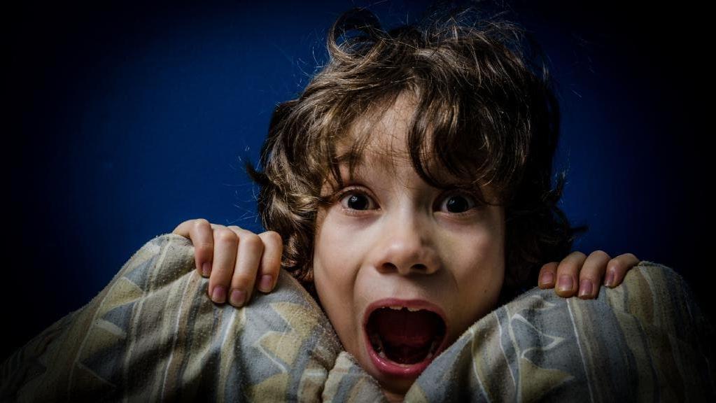 Почему нам сложно кричать во сне: научное объяснение феномена