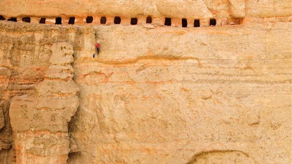 Бандиагарский склон, Предъямский замок, гроты Майцзишань: грандиозные сооружения, построенные на отвесных скалах
