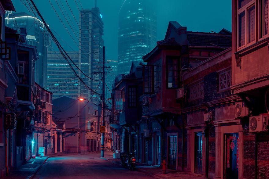 Фотохудожник создал уникальную серию снимков, где запечатлел исчезающие улицы Шанхая