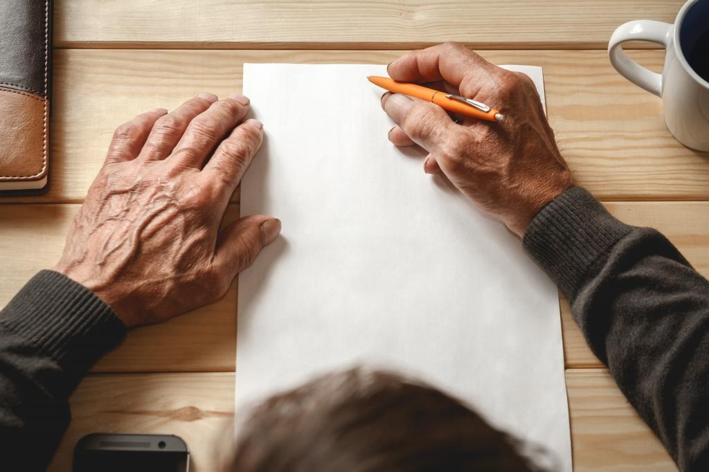 Про бабушку забыли все: и сын, и внуки. Когда старушка написала завещание, родственники сразу приехали. Но было уже поздно