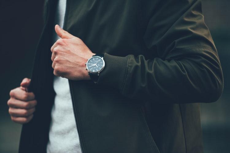 Цена и тип: на что еще обратить внимание при выборе мужских часов