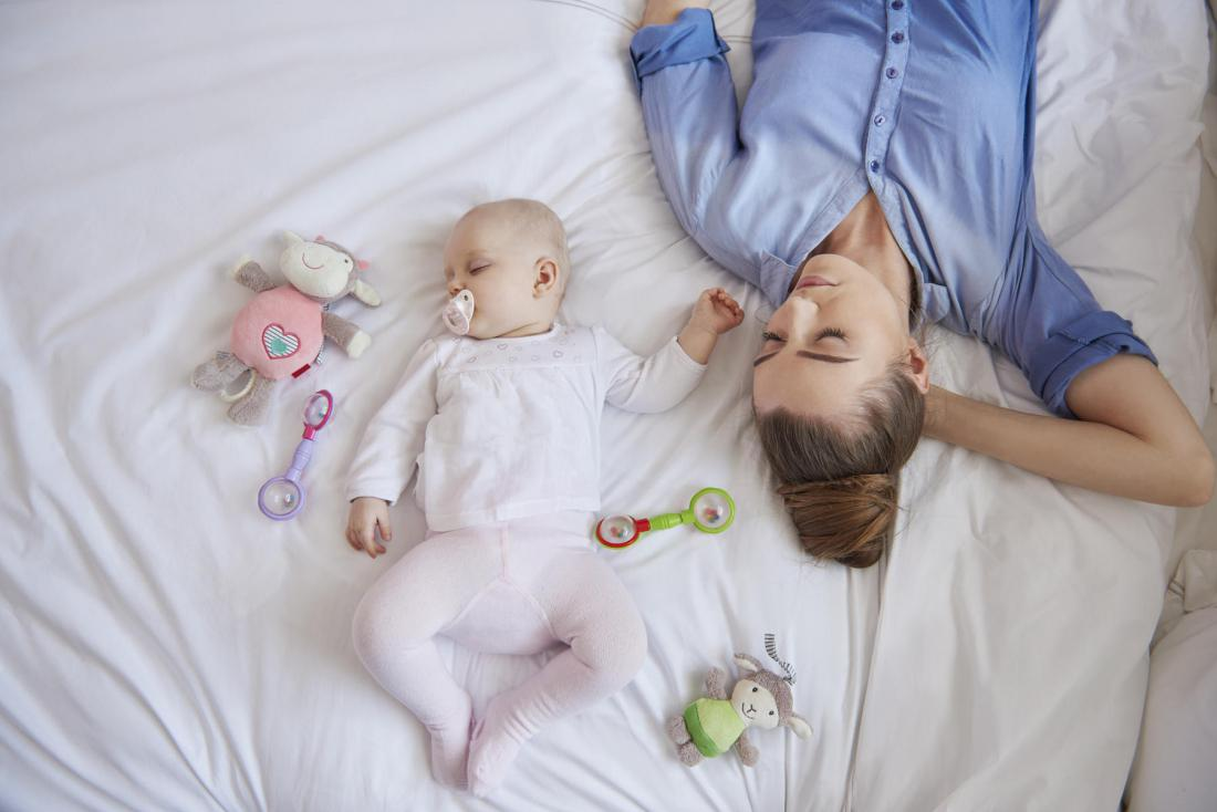Фото мамы с ребенком спящие