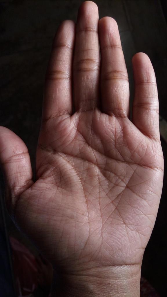 наделать множество редкие линии на руке фото и значение даже посерел- это