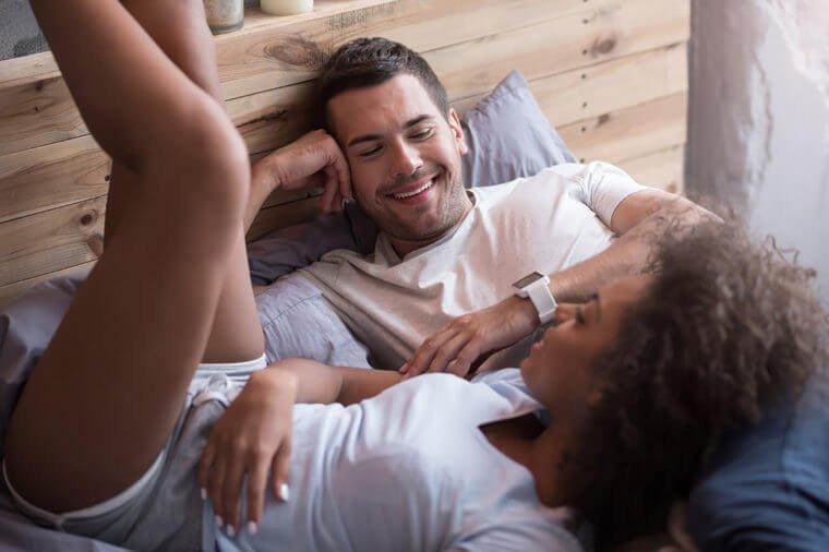 Как раскрепоститься в постели: психологические приемы и методы, советы и отзывы