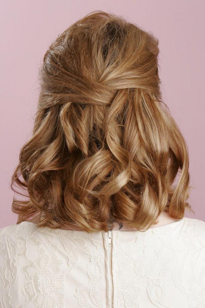 Быстрая укладка на средние волосы в домашних условиях