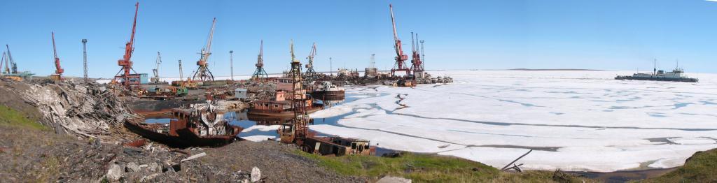 Панорама морского порта Тикси