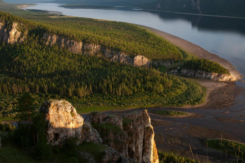 Устье реки Лены рядом с Тикси летом