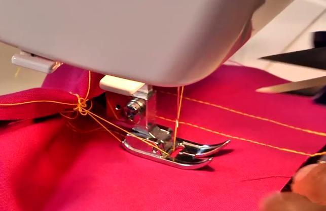 почему ручная швейная машинка рвет нитку