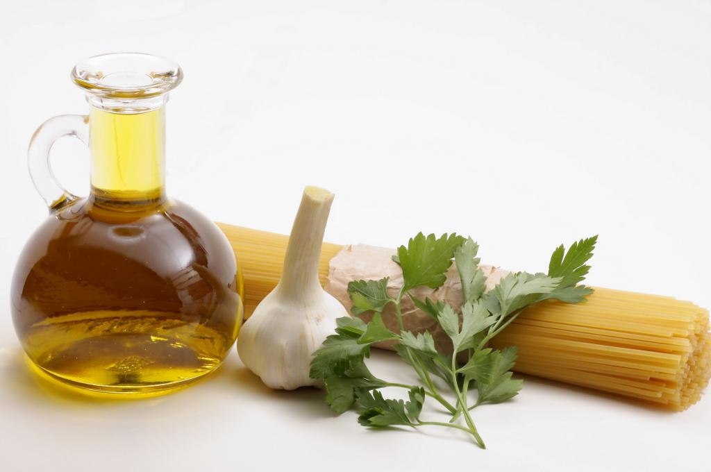 Basil and garlic oil
