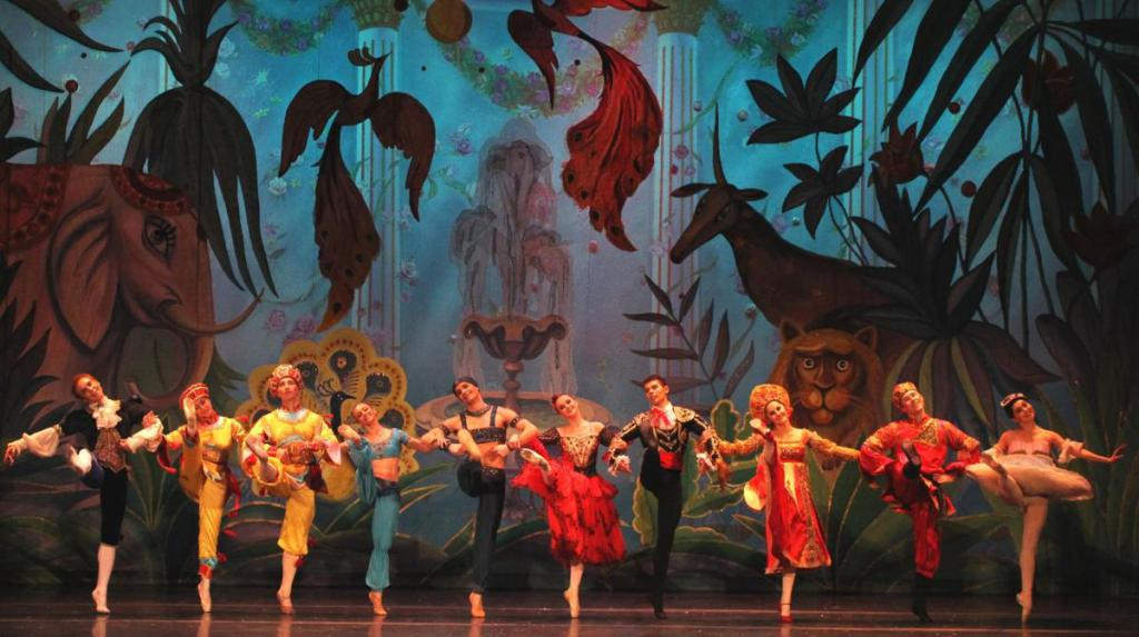 theater groups in Moscow