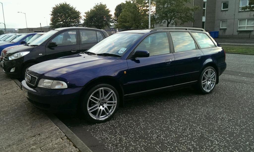 Audi A4 B5 Avant vlue