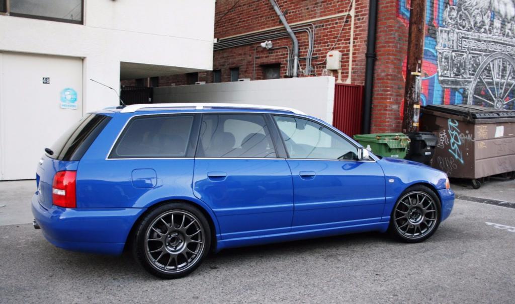 Audi A4 B5 Avant бок