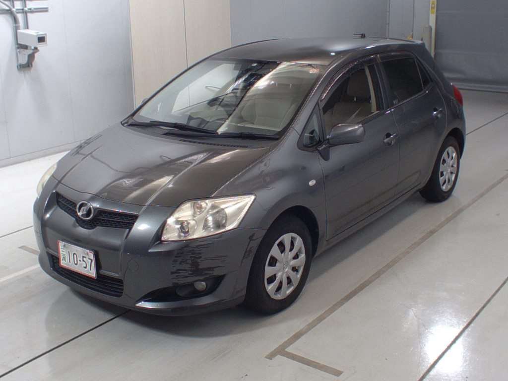 Toyota Auris grey