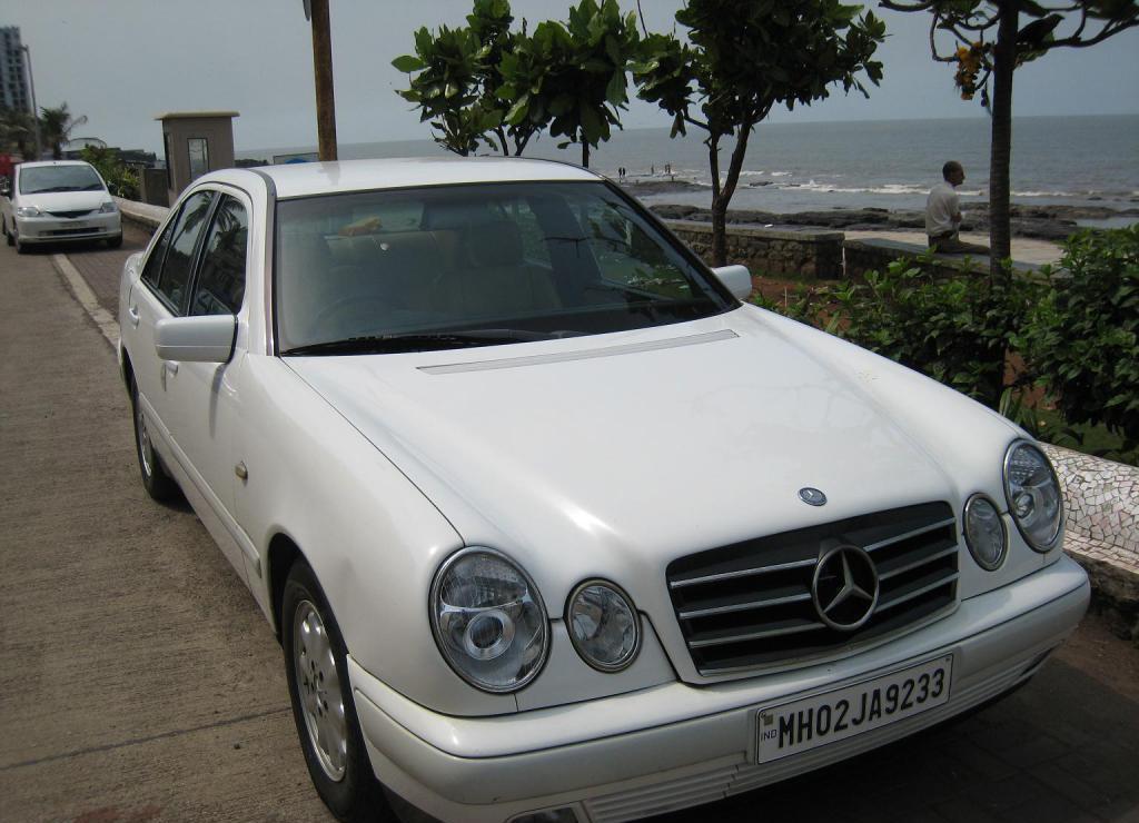 Mercedes E230 white