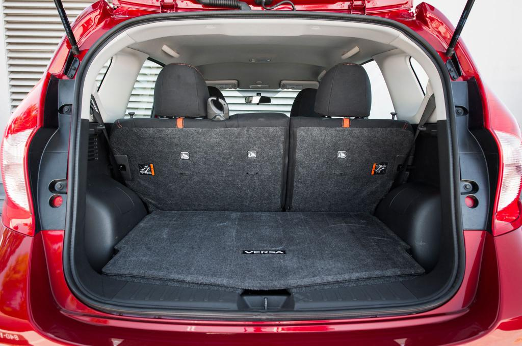 nissan note trunk