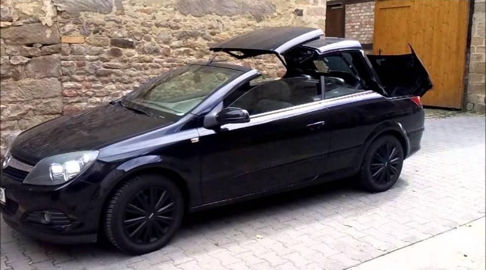 """Opel Astra"" black"