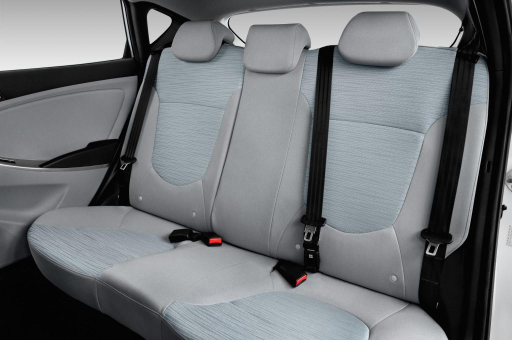 Hyundai Solaris rear seats