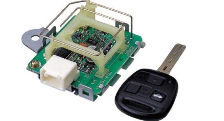 Транспондер в ключе от дорестайлинговых версий