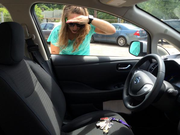 не открывается водительская дверь изнутри