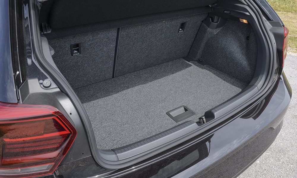 """""""VW Polo"""" - the whole truth about the luggage compartment"""
