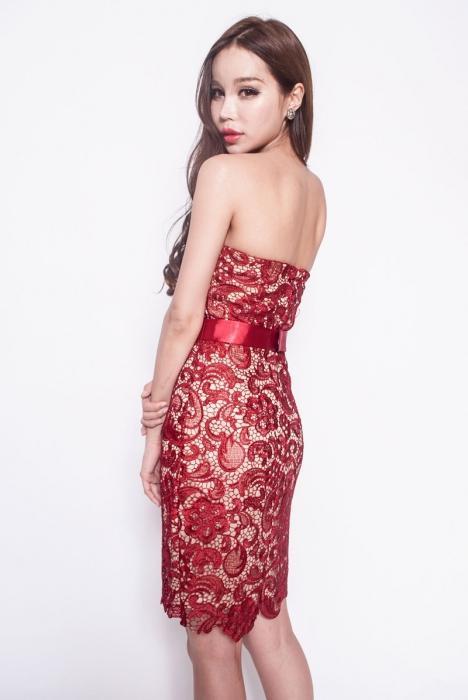 узкикие свалебные платья с кружевом и длинным рукавом