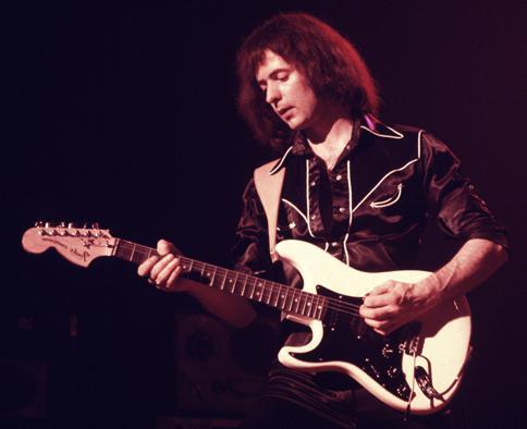 Лучшие уединенно гитаристы мира