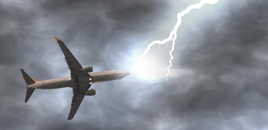 plane lightning thunder