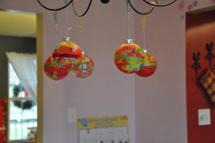 Украсить детскую группу к новому году
