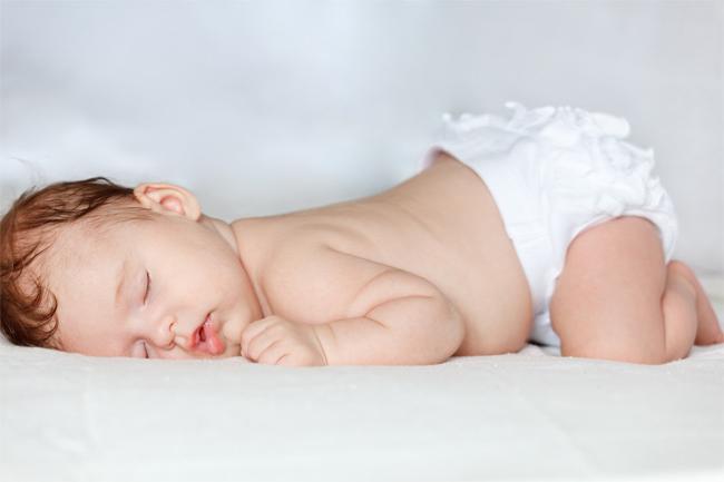 Новорожденный постоянно