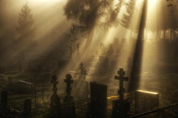 Деревянный крест на могилу