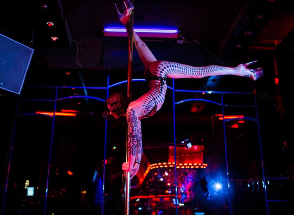 new-strip-club-law-mexican-women-with-big-ass-naked